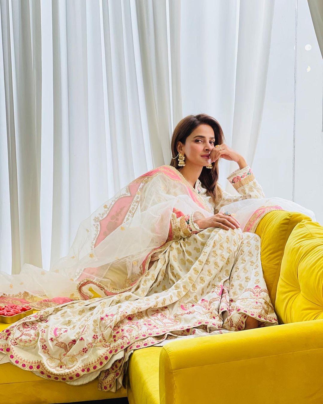 Saba Qamar Coming Back in 'Tumhare Husn Ke Naam' Drama - DramaSpice