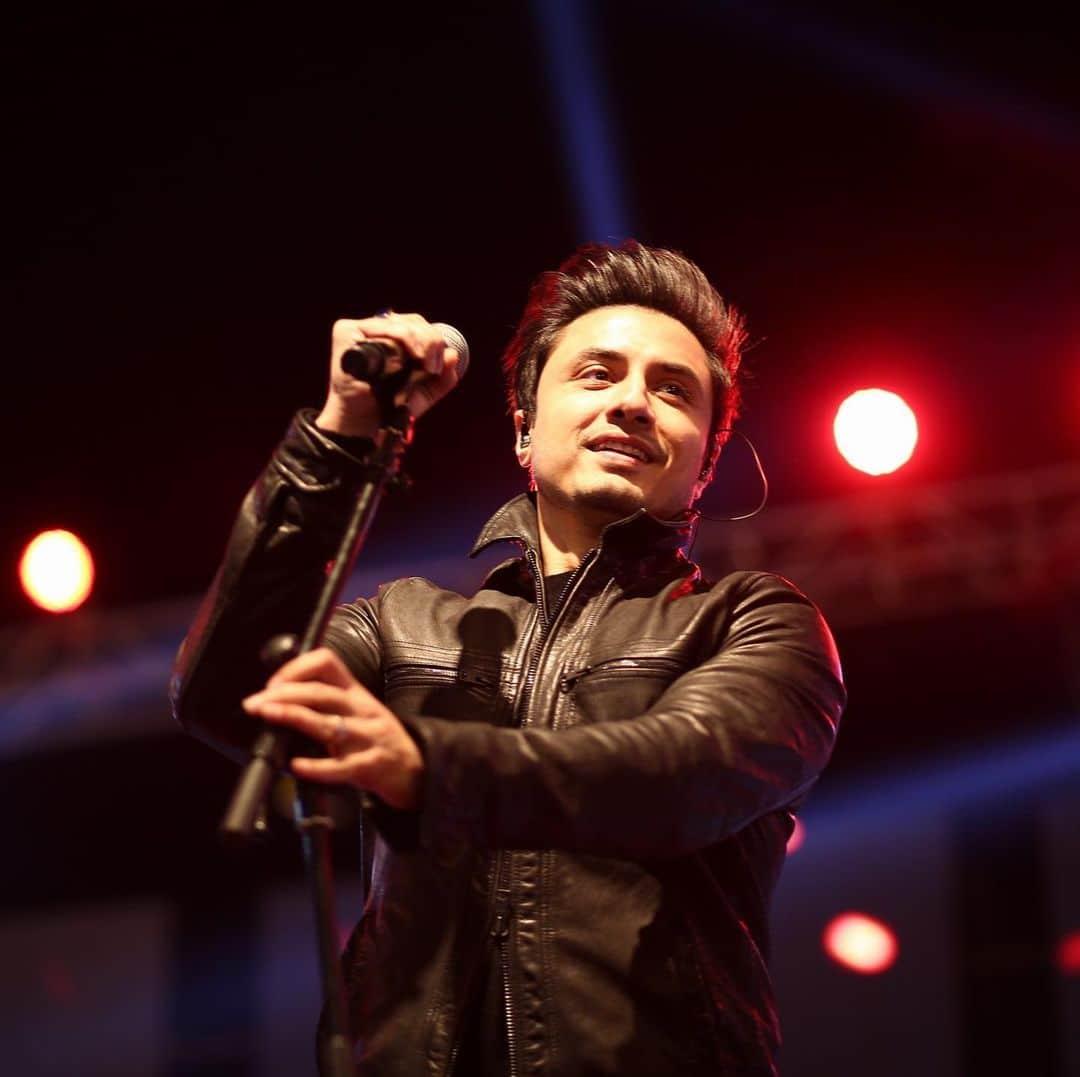 Ali Zafar Chinese Song